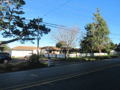 Bandon Single Family Home For Sale: 88347 S Hwy 42