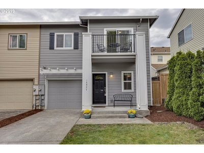 Clackamas OR Single Family Home For Sale: $325,000