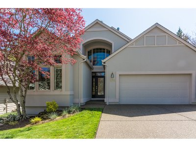 Multnomah County Single Family Home For Sale: 272 SE 46th Dr