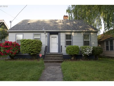 Single Family Home For Sale: 7315 N Williams Ave