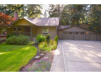 Beaverton Single Family Home For Sale: 17850 SW Pheasant Ln