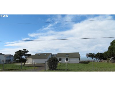 Gold Beach Single Family Home For Sale: 33670 Ophir Rd