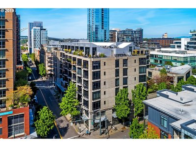 Condo/Townhouse For Sale: 1030 NW 12th Ave #402