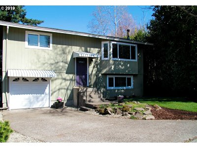 West Linn Single Family Home For Sale: 1687 April Ct
