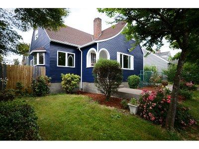Single Family Home For Sale: 3103 SE Sherrett St