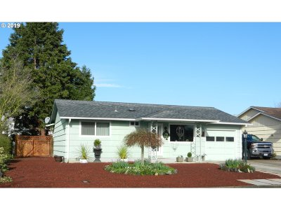 Woodburn Single Family Home Pending: 925 Oregon Way