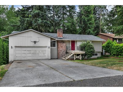 Beaverton, Aloha Single Family Home For Sale: 18040 SW Salix Ridge St