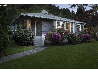 West Linn Single Family Home For Sale: 5808 W A St