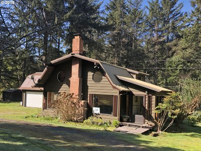 Gold Beach Single Family Home For Sale: 32366 Old Coast Rd