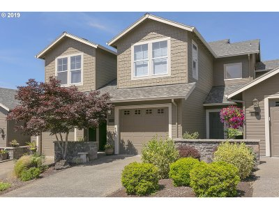 Clackamas County Condo/Townhouse For Sale: 10229 SE Bristol Ln