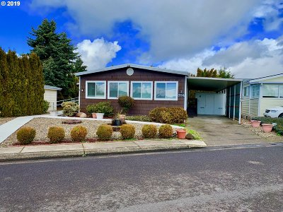 Eugene Single Family Home For Sale: 1199 N Terry St Space 394 #394