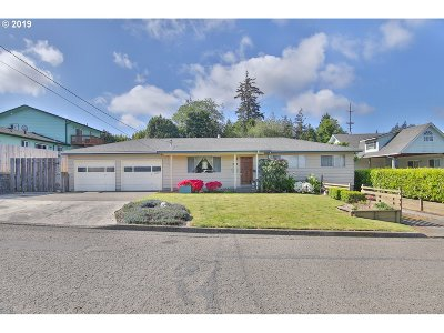North Bend Single Family Home For Sale: 1147 Lewis