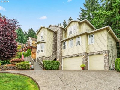 Happy Valley Single Family Home Pending: 13610 SE Snowfire Dr