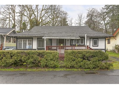 St. Helens Single Family Home For Sale: 375 Park Way