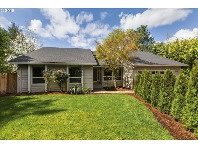 Multnomah County Single Family Home For Sale: 12545 SW Boones Ferry Rd