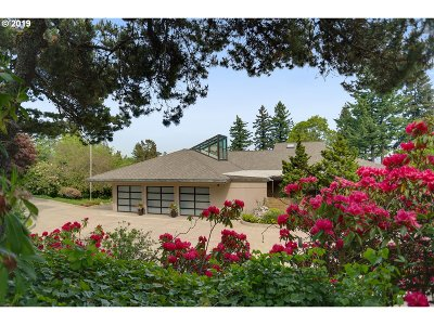 Lake Oswego Single Family Home For Sale: 18325 Crestline Dr