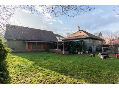Clackamas County, Multnomah County, Washington County Single Family Home For Sale: 9246 N Bristol Ave