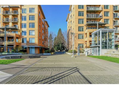 Condo/Townhouse For Sale: 701 Columbia St #315