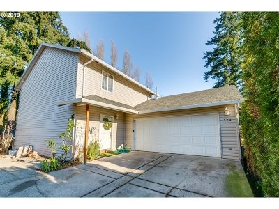 Newberg Single Family Home For Sale: 724 Wynooski St