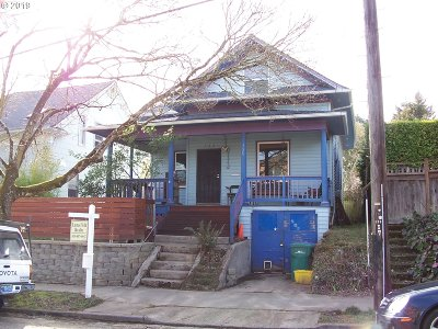 Portland Single Family Home For Sale: 725 SE 38th Ave