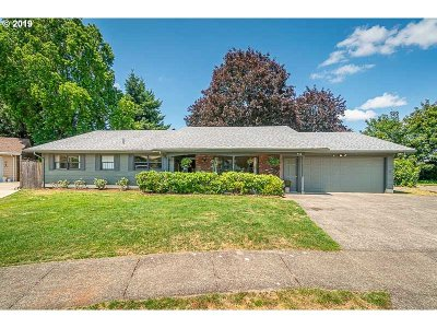 Stayton Single Family Home For Sale: 915 Westwood Pl