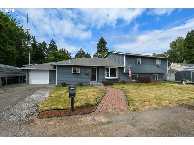 Milwaukie Single Family Home For Sale: 16721 SE Blanton St