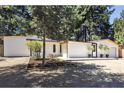 Lake Oswego Single Family Home For Sale: 18225 SW 65th Ave