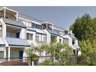 Happy Valley Condo/Townhouse For Sale: 8717 SE Monterey Ave #201