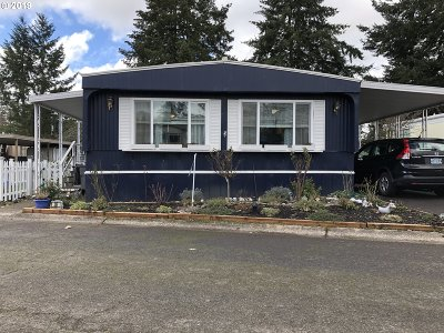 Eugene Single Family Home For Sale: 1475 Green Acres Rd Space #36