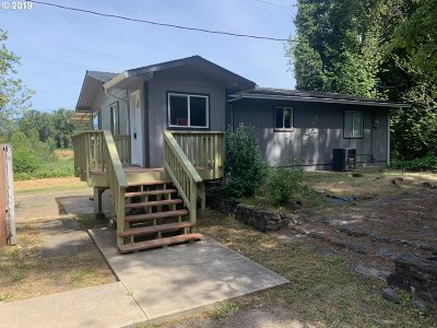 Myrtle Creek Single Family Home For Sale: 14486 Old Highway 99 South