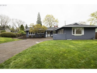 Beaverton Single Family Home For Sale: 5475 SW Chestnut Ave