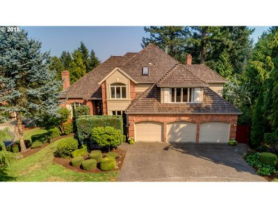 Clackamas County Single Family Home For Sale: 2162 Marylwood Ct