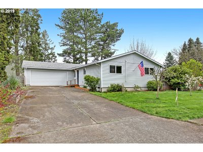 Single Family Home For Sale: 19825 SW Wright St
