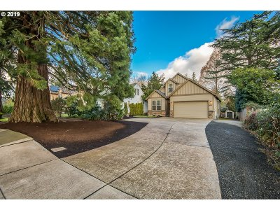Beaverton Single Family Home For Sale: 8260 SW Sorrento Rd