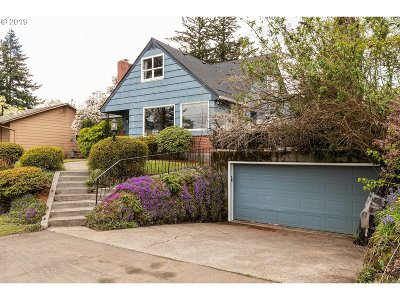 Single Family Home For Sale: 6925 SW Burlingame Ave