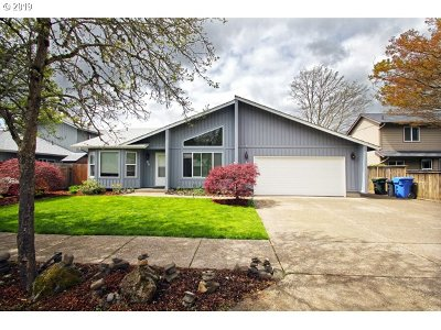 Eugene Single Family Home For Sale: 710 Driftwood Dr