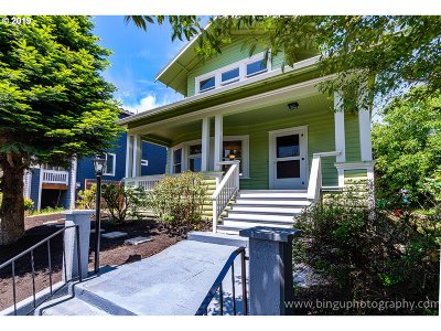 Portland Single Family Home For Sale: 527 NE Cook St