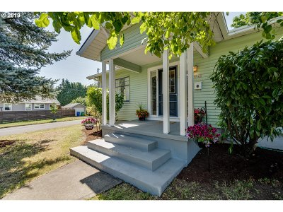 Cully, Beaumont-Wilshire, Hollywood, Rose City Park, Madison South, Roseway Single Family Home For Sale: 6946 NE Siskiyou St