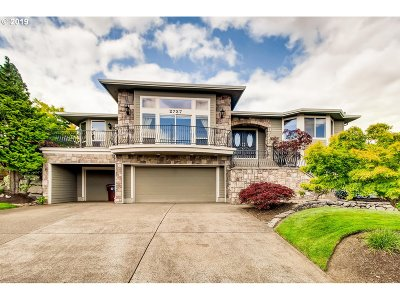 Camas Single Family Home For Sale: 2737 NW 11th Ave