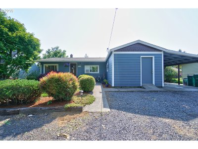 Scappoose Single Family Home For Sale: 52378 SW 3rd St