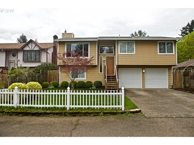 Single Family Home For Sale: 14527 SE Center St
