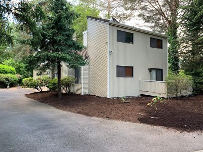 Portland Multi Family Home For Sale: 5308 SW 53rd Ct