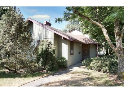Multi Family Home For Sale: 5305 SE 34th Ave