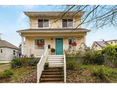 Single Family Home For Sale: 4617 SE Harrison St