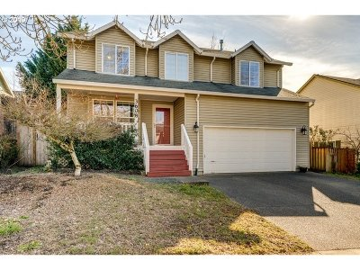 Newberg Single Family Home For Sale: 3608 Ivy Dr