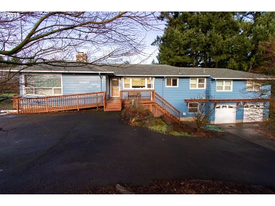 Oregon City Single Family Home For Sale: 14437 Maple Lane Rd