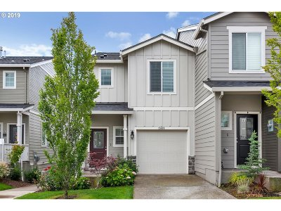 Happy Valley Single Family Home For Sale: 15636 SE Vivian Way