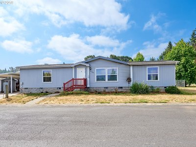 Molalla Single Family Home For Sale: 15706 S Elk Haven Rd
