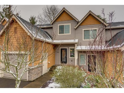 Lake Oswego Condo/Townhouse For Sale: 12866 Boones Ferry Rd