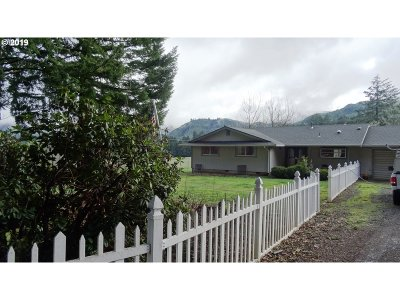 Yoncalla Single Family Home For Sale: 7630 Scotts Valley Rd